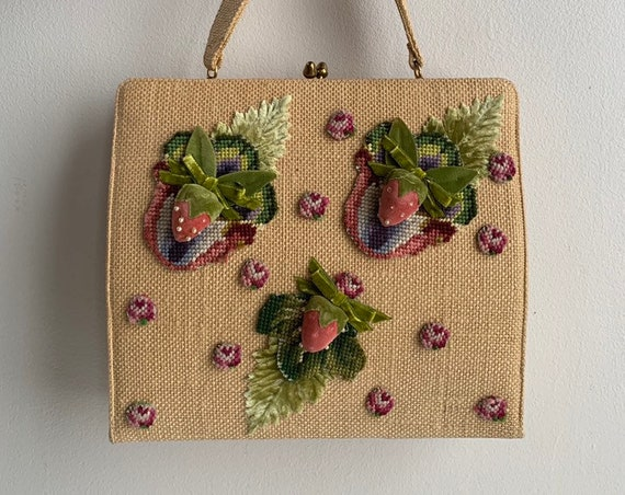 1950s - large square straw top handle purse / handbag - pink strawberries fruit & leaves design