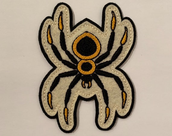 Handmade / hand embroidered off-white & black felt patch - large black and yellow spider - vintage style - traditional tattoo flash