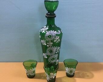 Vintage 1980s / 1990s - 4-piece green Italian glass decanter & shot glasses bar set - hand painted floral flowers design - drinkware barware