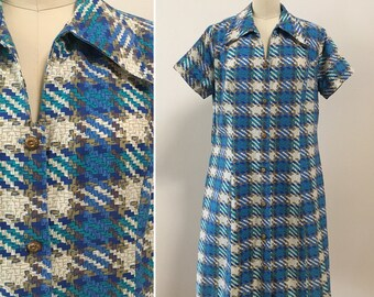 Vintage 1970s - women's short sleeve blue, green, brown, beige houndstooth print cotton house / day / shift dress - Large - 42 bust 38 waist