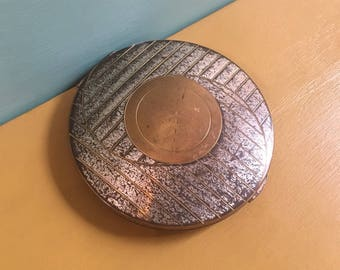 Vintage 1930s / 1940s large round pin up glam gold metal Art Deco design powder & mirror compact