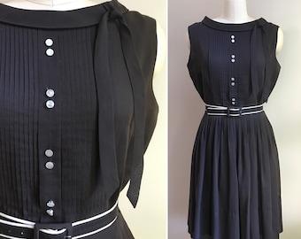 Vintage 1960s - women's sleeveless brown lightweight cotton pleated boatneck summer day dress & belt - Small Medium - 36 bust 26 waist