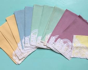 Vintage 1950s - multi colored pastel cotton & white lace table linen napkin dinner set - 11 pieces - home kitchen / decor