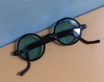 Vintage 1930s - rare women's round circular sunglasses - deep dark red frames - light blue glass lenses - non prescription