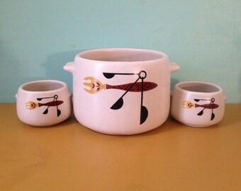 Vintage 1950s - 3-piece West Bend midcentury fork & spoon design ceramic serving set