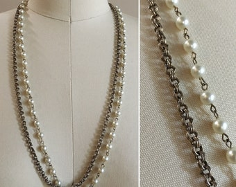 Vintage 1960s / 1970s long silver metal chain & pearl bead layered double strand necklace - costume jewelry - accessories