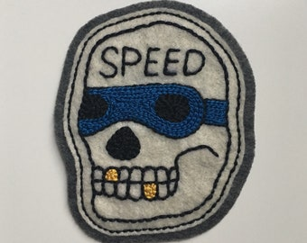 Handmade / hand embroidered off white & gray felt patch - motorcycle 'Speed' skull - vintage style - traditional tattoo flash