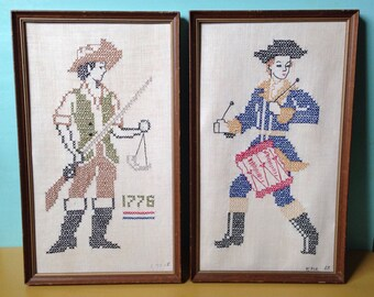 Vintage 1960s - pair of framed midcentury cross stitch Revolutionary War / colonial soldiers - wall / home decor