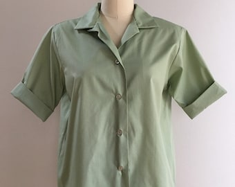 Vintage 1950s / 1960s - womens light army green half sleeve button up shirt - XL Extra Large - 40 bust 40 waist