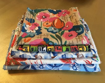 Vintage 1930s, 1940s, 1950s - 5-piece lot of novelty floral Hawaiian graphic print cotton blend fabrics - sewing  crafting material supplies