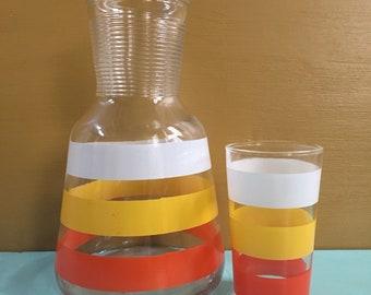 Vintage 1950s - mid century Anchor Hocking carafe & juice glass set - white, yellow and orange stripes - breakfast / kitchen / dining decor