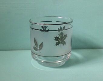 Vintage 1950s / 1960s single midcentury rocks / cocktail glass - silver leaf design - Don Draper / Mad Men style