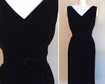 Vintage 1960s - women's black velvet sleeveless evening cocktail holiday party dress - bow detail - M L medium large - 38 bust 29 30 waist
