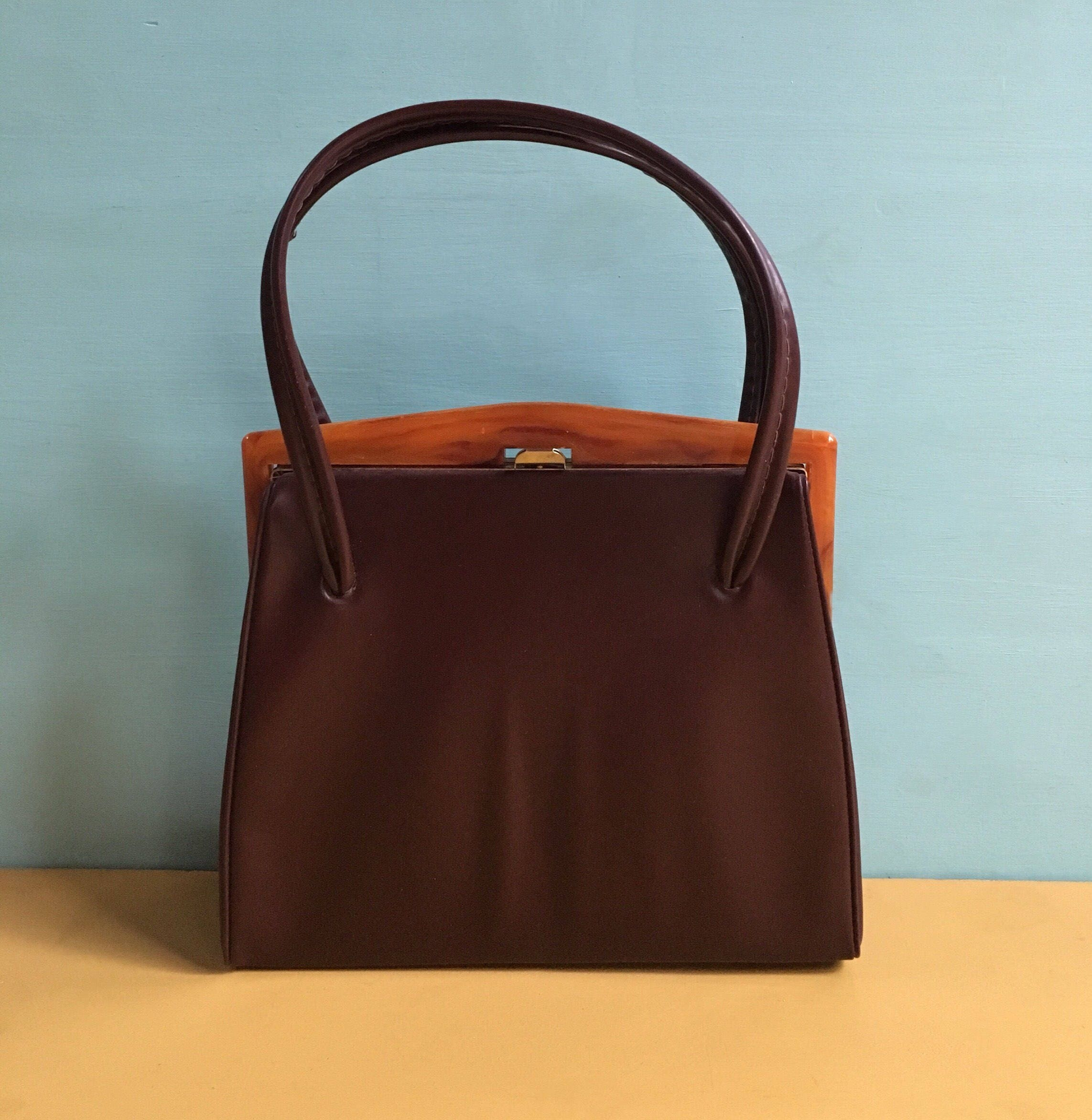 174e8e945db79 Vintage 1950s - brown vinyl structured top handle handbag   purse ...