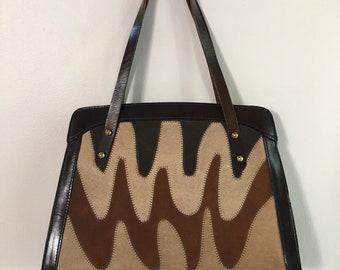 Vintage 1960s - structured beatnik boho brown wavy zigzag earth tone leather & suede top handle handbag / purse - accessories