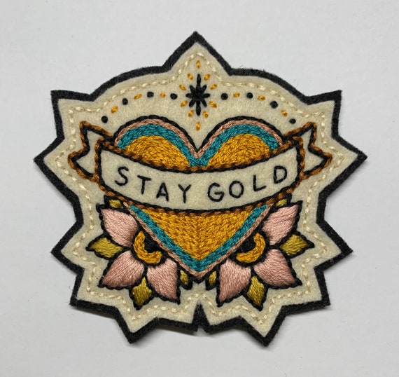 Handmade / hand embroidered off-white & black felt patch - 'Stay Gold' - heart with banner and pink flowers - traditional tattoo flash