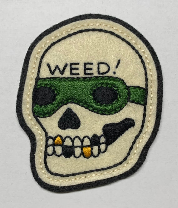 Handmade / hand embroidered off white & gray felt patch - motorcycle 'WEED!' skull - vintage style - traditional tattoo flash