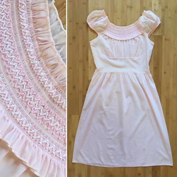 Vintage 1950s 50s 50s light pink sheer cotton embroidered shelf bust cap sleeve day casual dress S M small medium 32 34 bust 28 waist