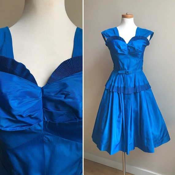 Vintage 1950s 50s 50's blue taffeta full circle skirt rockabilly pinup party prom dress pleats matching belt size S small 32 bust 24 waist
