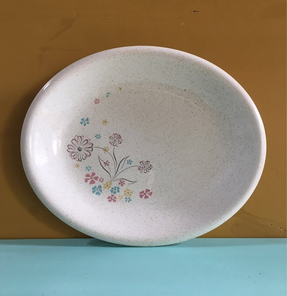 Vintage 1950s / 1960s midcentury atomic floral pink blue & yellow speckled confetti ceramic serving party plate / platter