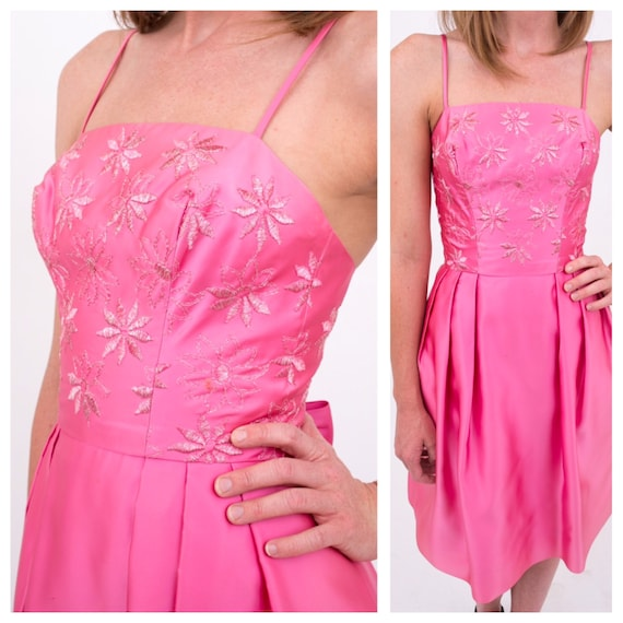 Vintage 1950s / 1960s - bright pink designer embroidered floral prom / party dress - spaghetti straps - S - 34 bust - 24 waist