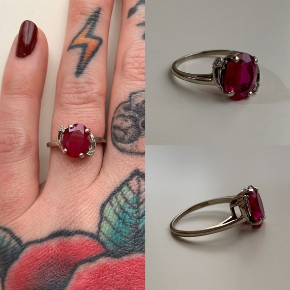 1970s / 1980s - women's 10k white gold Crosby ring - round cut red tourmaline gemstone - size 6.5