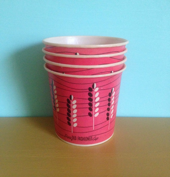 Vintage 1950s - pink atomic Dixie Old Fashioned office party paper drinking cocktail cups - leaf wheat pattern - 4 pieces - movie props