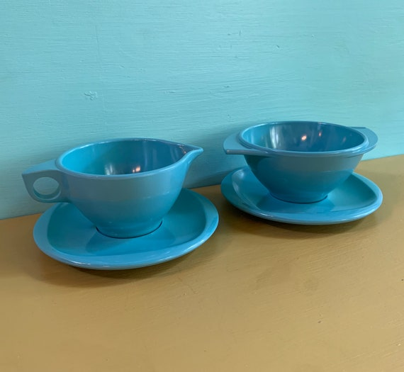 1950s - teal blue 4-piece melamine sugar bowl & creamer set with saucers