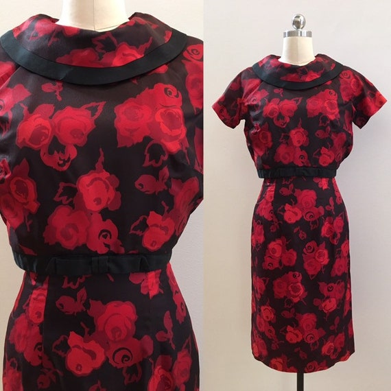 Vintage 1950s / 1960s - women's pin up rockabilly short sleeve red & black roses print fall winter wiggle dress - S small - 36 bust 25 waist