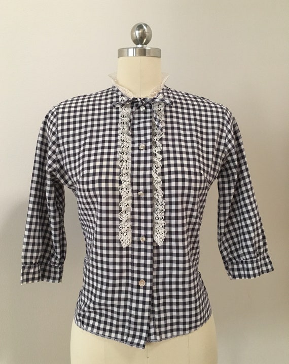 Vintage 1950s - women's rockabilly black & white gingham button up 3/4 sleeve blouse top - lace ruffle detail - M medium - 36 bust 32 waist