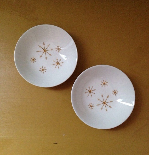 Vintage 1950s - midcentury small white ceramic bowl matching set - gold atomic starburst / sunburst / snowflake design - home / wall decor