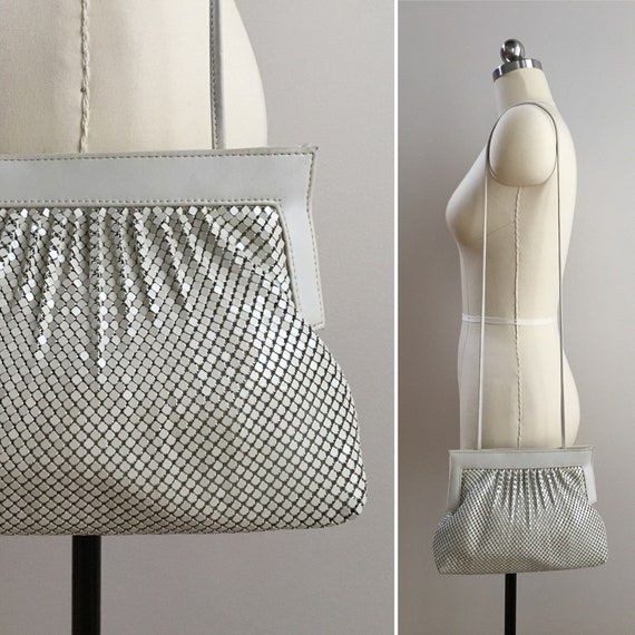 Vintage 1980s - off white / beige Whiting & Davis metal mesh chainmail shoulder strap crossbody handbag / purse - accessories