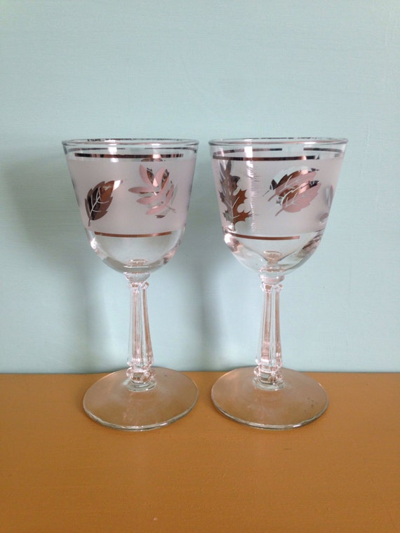 Vintage 1950s 50s 50's midcentury wine port bar drinking party glass glasses silver frosted leaf design Mad Men matching pair set