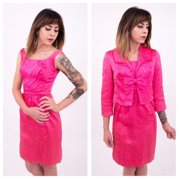 Vintage 1960s - bright pink Jackie O sleeveless sheath dress & bolero jacket suit set - XS / S - 32 bust - 24 waist