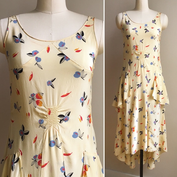 Vintage 1930s - women's sleeveless light yellow novelty floral print drop waist tiered peplum spring day dress - Small - 32 bust 30 waist