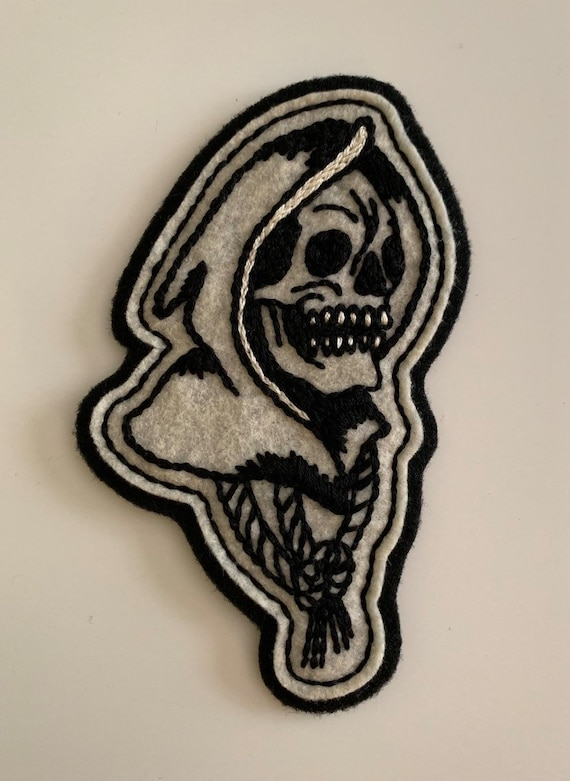 Handmade / hand embroidered off white & black felt patch - small motorcycle grim reaper head - vintage style - traditional tattoo flash