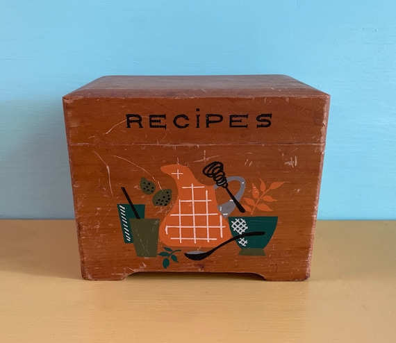 1950s - light brown wooden kitchen recipes box with mixing bowl & pitcher design