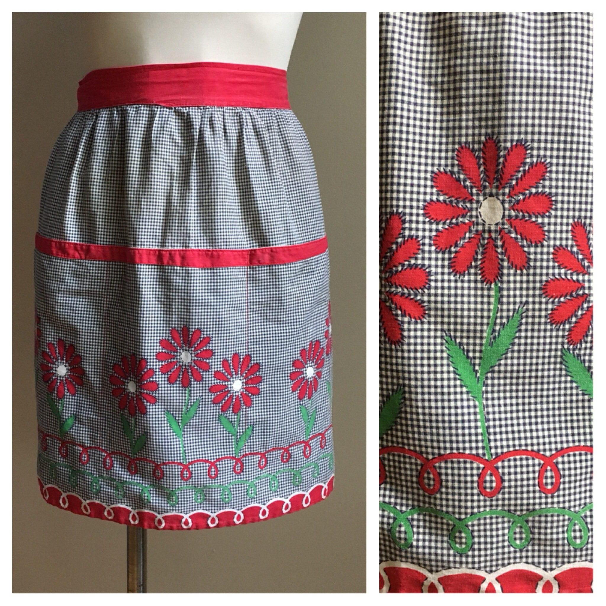 809aedf9ae8f Vintage 1950s - midcentury black   white gingham   red flowers ...