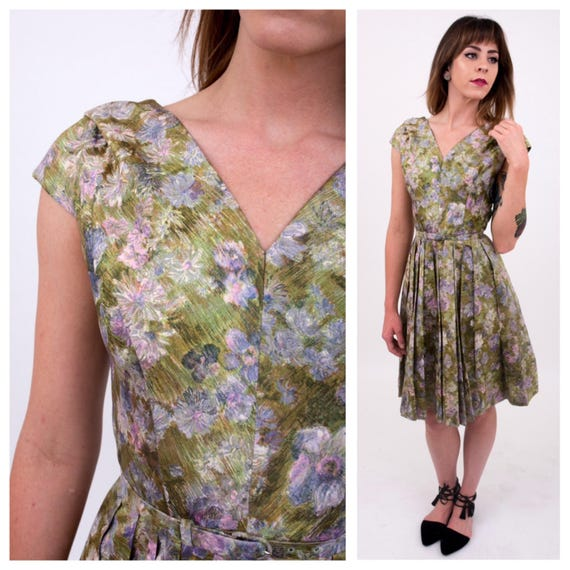 Vintage 1950s - women's green floral short sleeve v-neck fit & flare spring party dress - matching belt - Extra Small - 32 bust 24 waist
