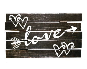 Wood Pallet Rustic Home Decor Sign, Love Arrow Pallet Sign, Bedroom Wall Decor Above Bed, Wedding Photography Signs, Wood Wedding Love Sign
