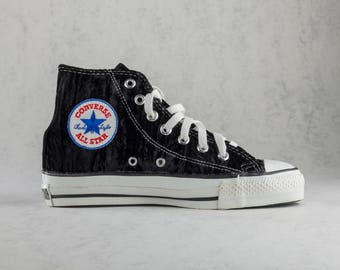 cheap for discount 03474 bbf05 Converse Chuck Taylor All Star hi top vintage sneakers made in USA. Size US  mens 4,5, womens 6,5, EU 37, 23,5 cm. Crushed black velvet.