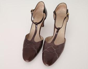 Vintage Salvatore Ferragamo shoes brown leather high heels t-strap high heel shoes
