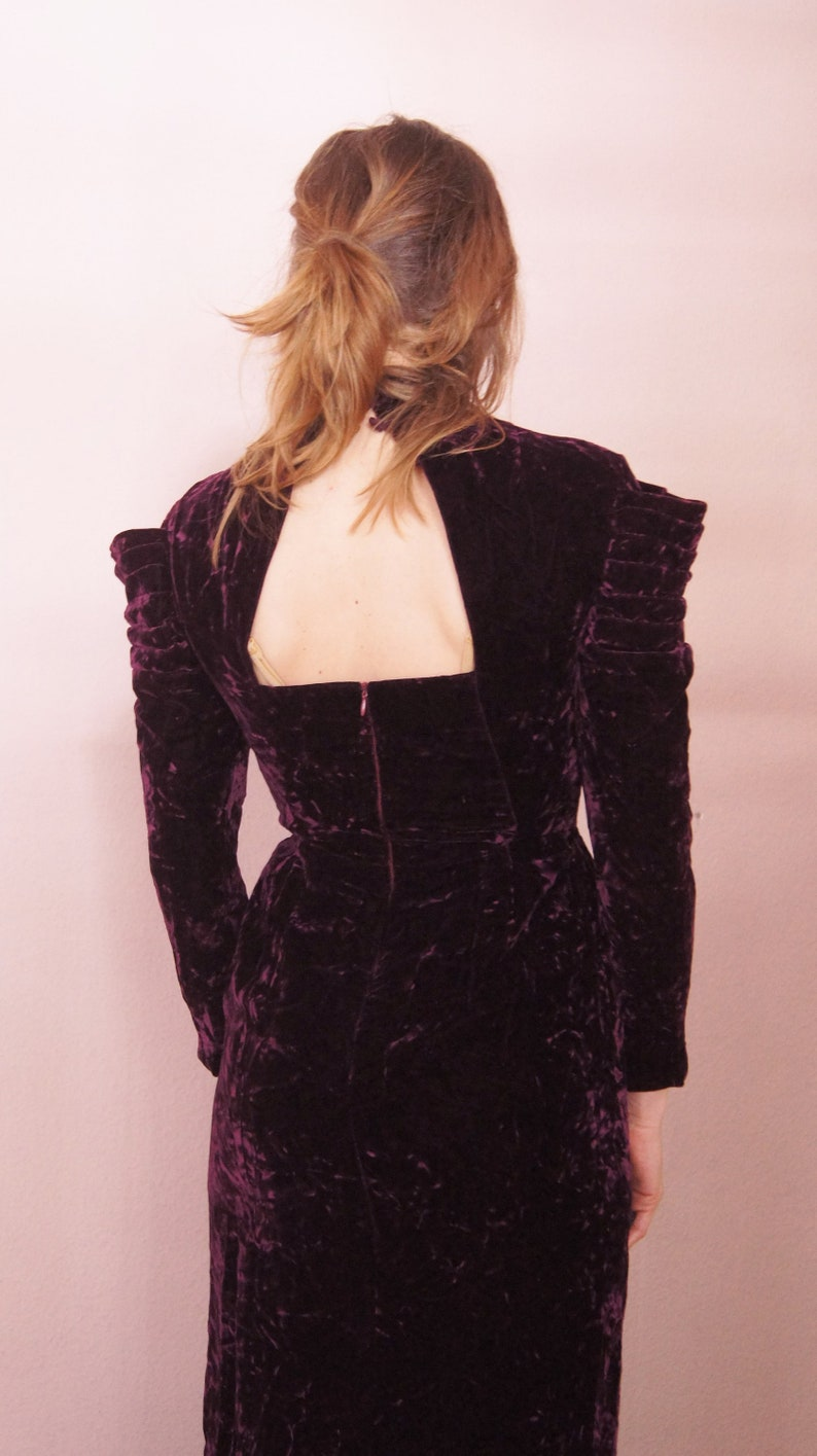 High Fashion ** Vintage Velvet Dress