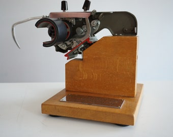 Extremely Rare 1950s Triumph (Matura) Sales Model Demonstration Counter Display Typewriter - Design - Advertising - Wooden Base