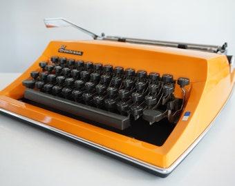 Vintage CURSIVE Retro 1974 Orange Triumph (Adler) CONTESSA De Luxe Typewriter - Portable - QWERTZ - Design