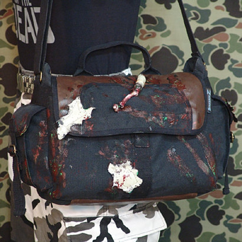 Walking Dead Zombie Canvas and  Leather  Shoulder bag 10114-4 image 0