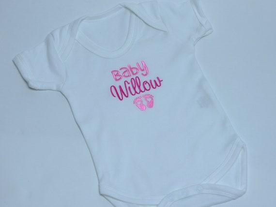 Bienvenue dans le monde brodé Baby Gilet Cadeau Personnalisé Baby Shower