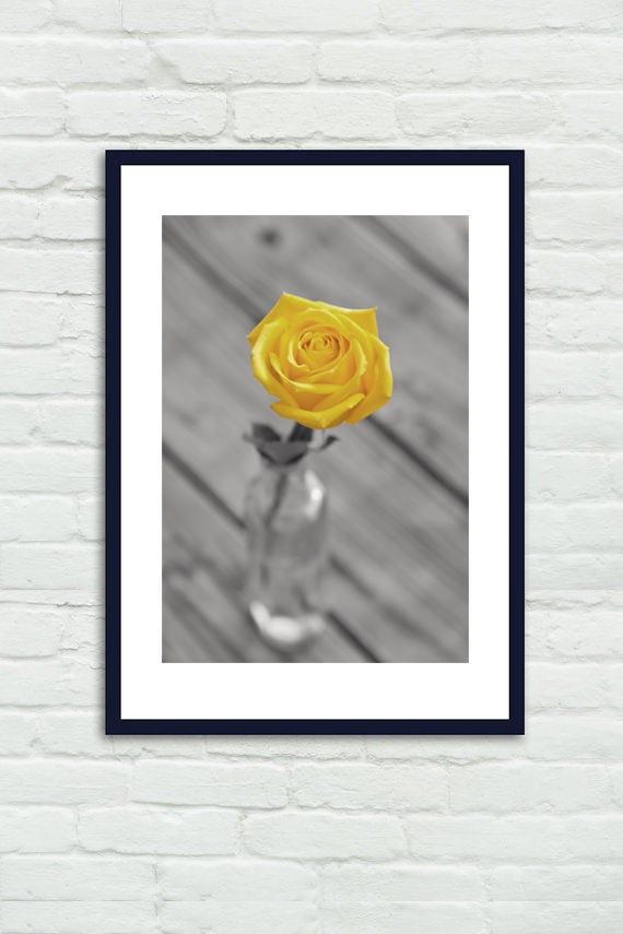 Décoration murale salle de bain jaune et gris, photographie grand floral  nature morte, tableau chic chalet, impression verticale de photo fleur rose  ...