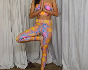 Yoga leggings; Flower fractal