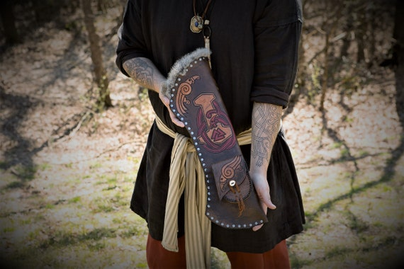 Custom Leather Archery Quiver - Convertible back quiver or belt quiver